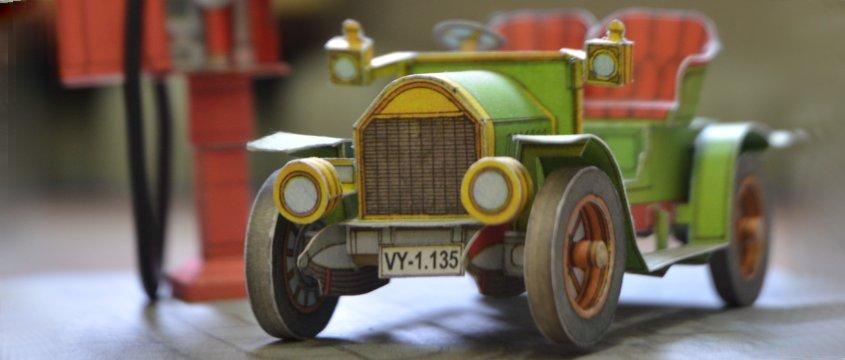 Vystrihovačka papierového modelu vozidla veterán